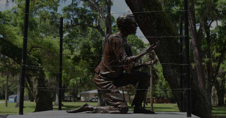 Memorial Statue in Veterans Memorial Park